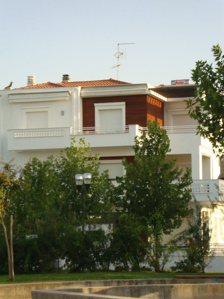Structural Design of a 3 storey building in Larisa 2005